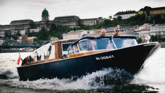 Dunarama luxury water taxi
