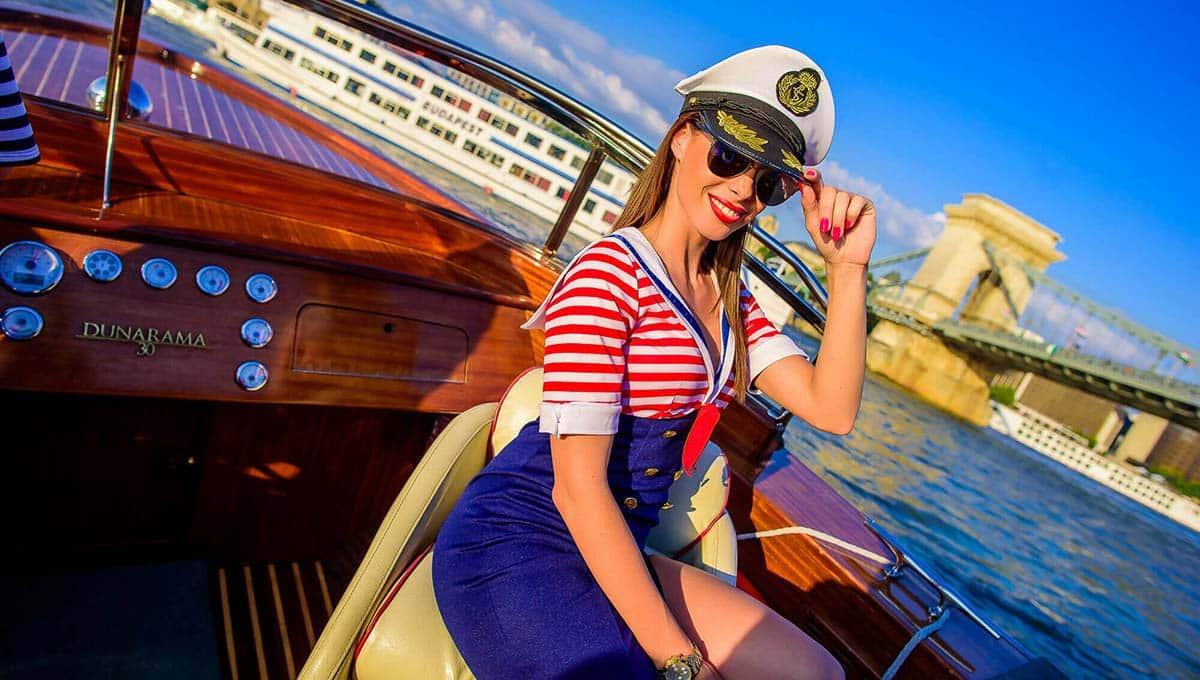 Sailar girl