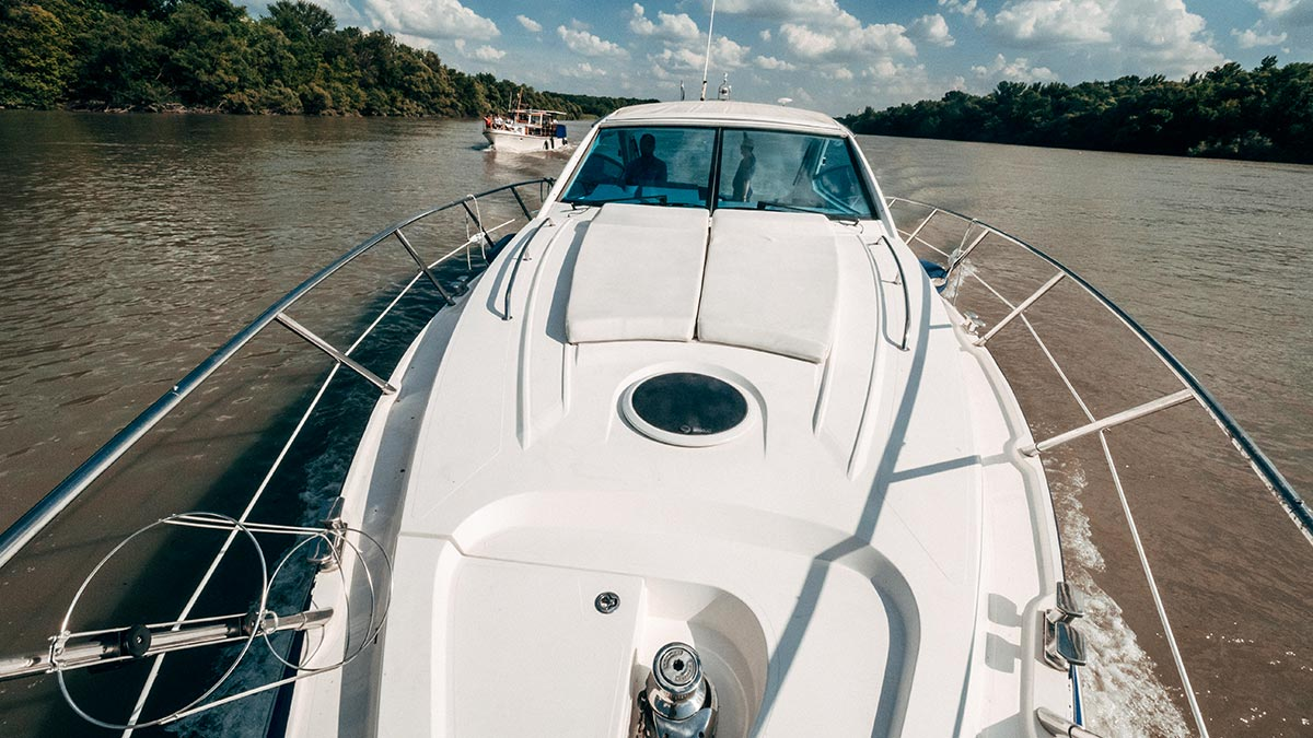 Aquamarin speedboat yacht deck